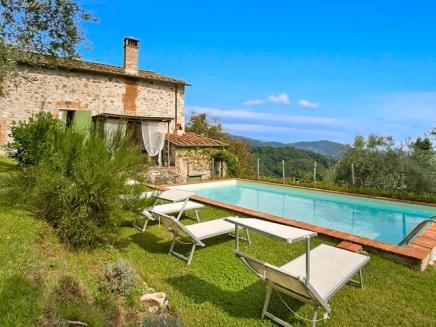 location villa de charme avec piscine en toscane grillo tl01. Black Bedroom Furniture Sets. Home Design Ideas