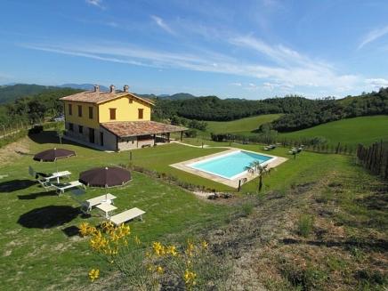 Location villas et maisons avec piscine priv e en italie for Location maison piscine italie