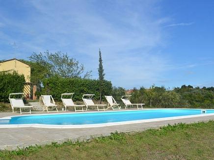 A louer en toscane villa avec piscine priv e 6 personnes for Location toscane piscine