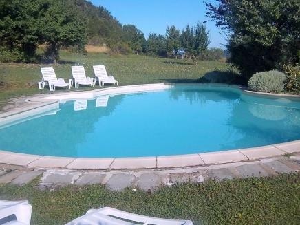 Location vacances piscine 6 personnes toscane le pernice tf04 for Location toscane piscine