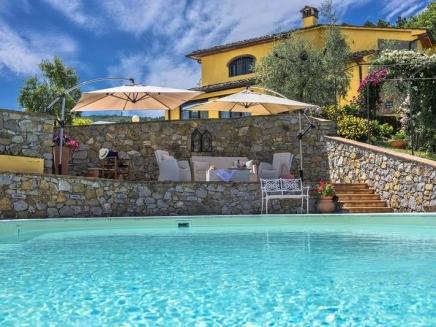 Location d 39 une villa avec piscine en toscane for Location toscane piscine