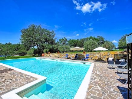 Location pr s de florence en toscane maison avec piscine for Location toscane piscine