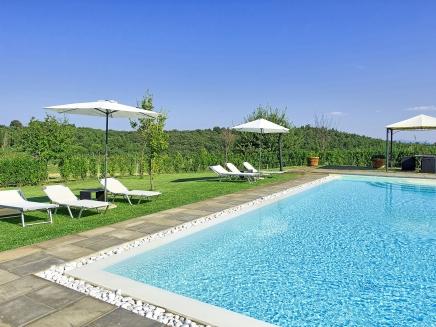 Petite maison avec piscine louer en toscane for Location maison piscine italie