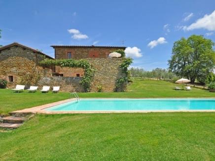 Location toscane villa avec piscine et maison bord de mer for Location maison piscine italie