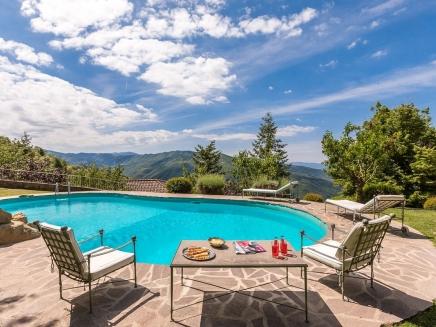 Louer en toscane une villa de charme avec piscine for Location toscane piscine