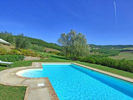 location villa avec piscine en italie louer en italie une villa 8 personnes avec piscine priv e